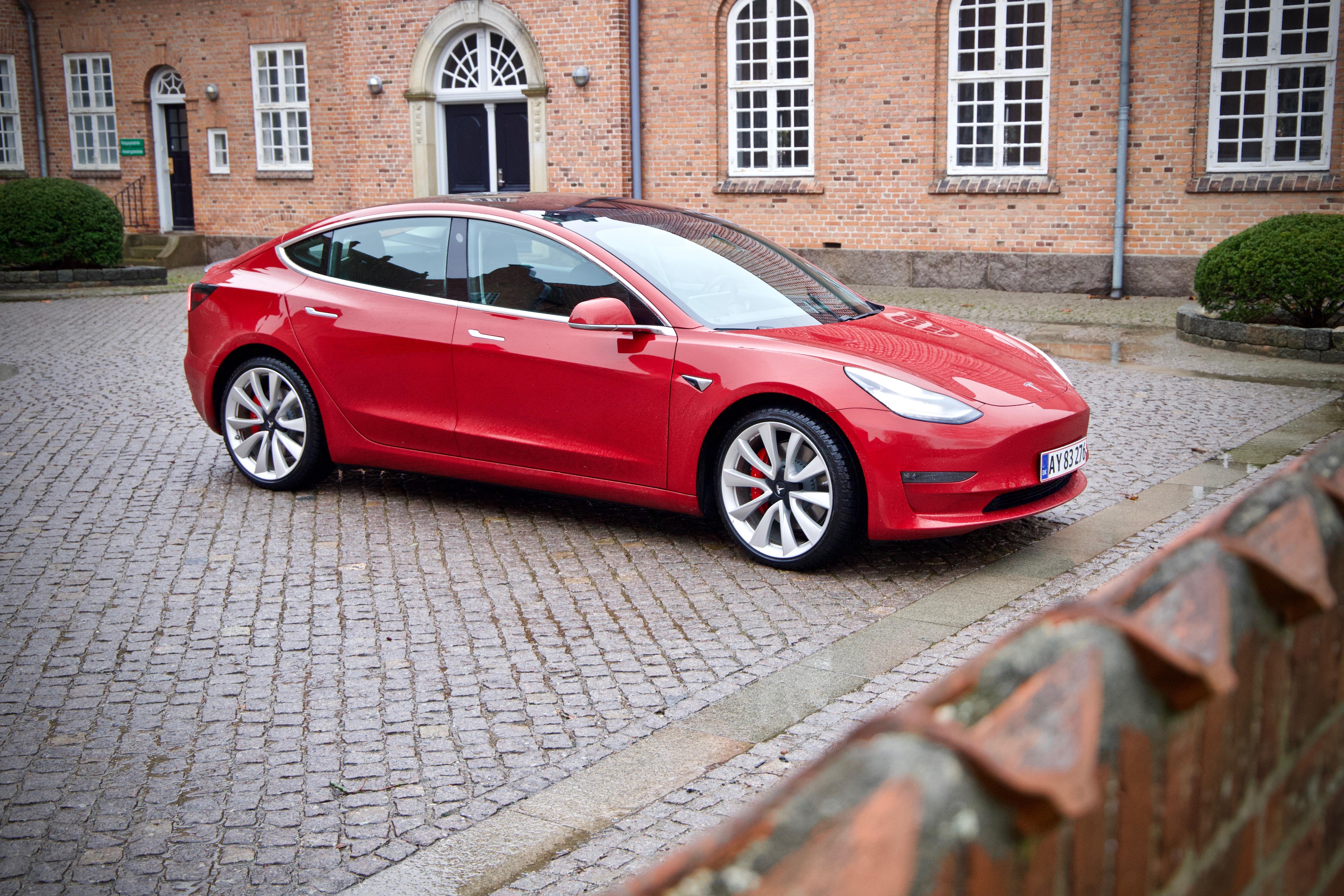 Tesla Model 3 test